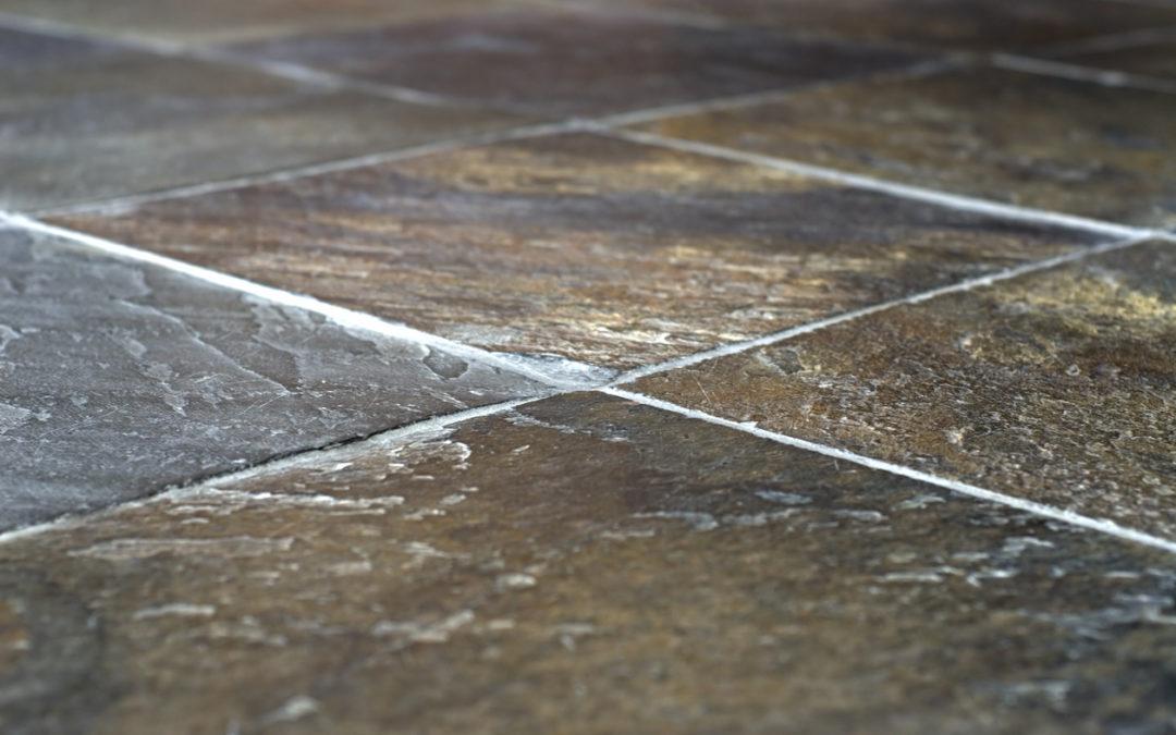 3 manieren om uw natuursteenvloer te reinigen en te beschermen
