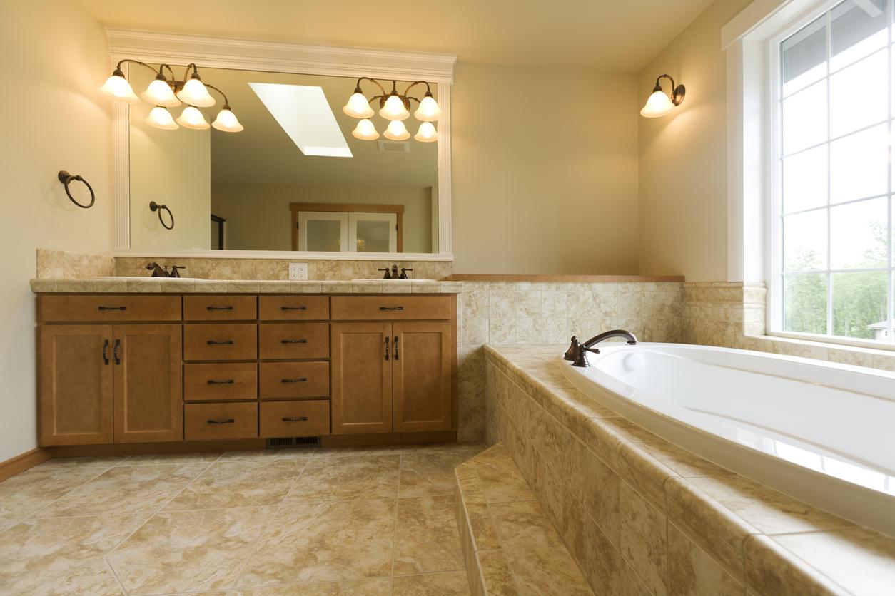 travertin reinigen badkamer