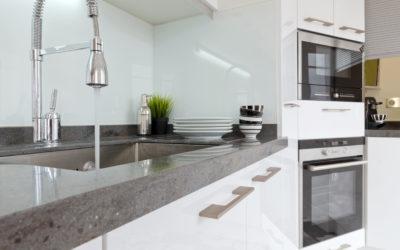 Krassen of vlekken op het keukenblad? Renovatie brengt raad