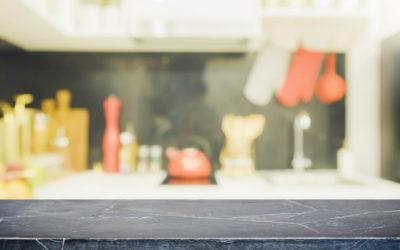Keukenblad in blauwe hardsteen: zó onderhoudt u het