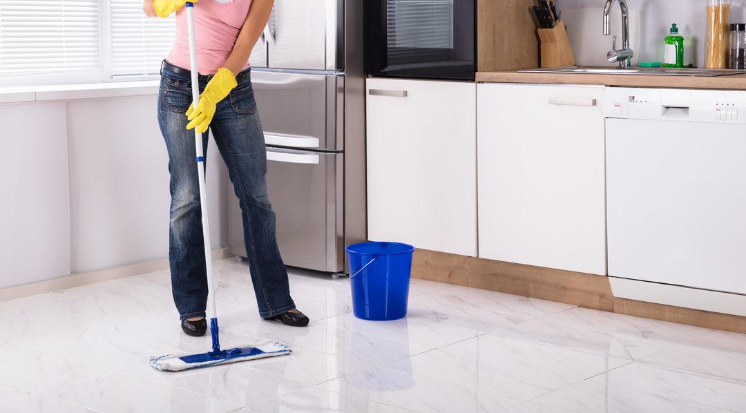 Marmer schoonmaken: zó houdt u uw vloer het langst mooi