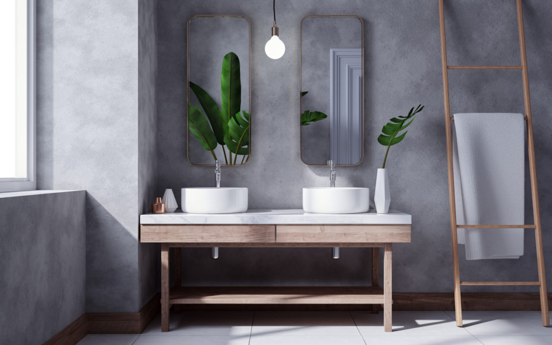 Vlekken in je natuurstenen badkamer door antikalkmiddel? Zo krijg je ze weg!